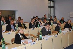 Prešovská radnica chce, aby boli poslanci odmeňovaní inak.
