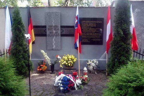 Pamätník usmrtených na hraniciach v Kežmarku.