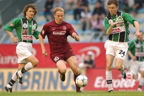 Hviezdny futbalista v drese pražskej Sparty.