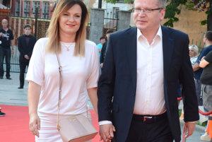 Juraj Čurný. Na festival vzal aj manželku.