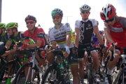 Cyklistické hviezdy a v strede tá najväčšia z nich - Peter Sagan.