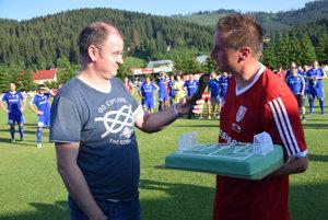 Krátko po zápase vyspovedal hviezdneho futbalistu známy komentátor Marcel Merčiak.