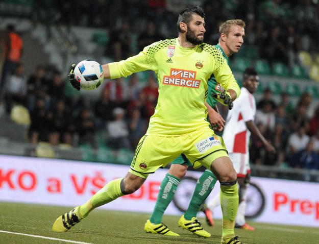 Ján Novota pôsobil v uplynulých sezónach v drese Rapidu Viedeň.