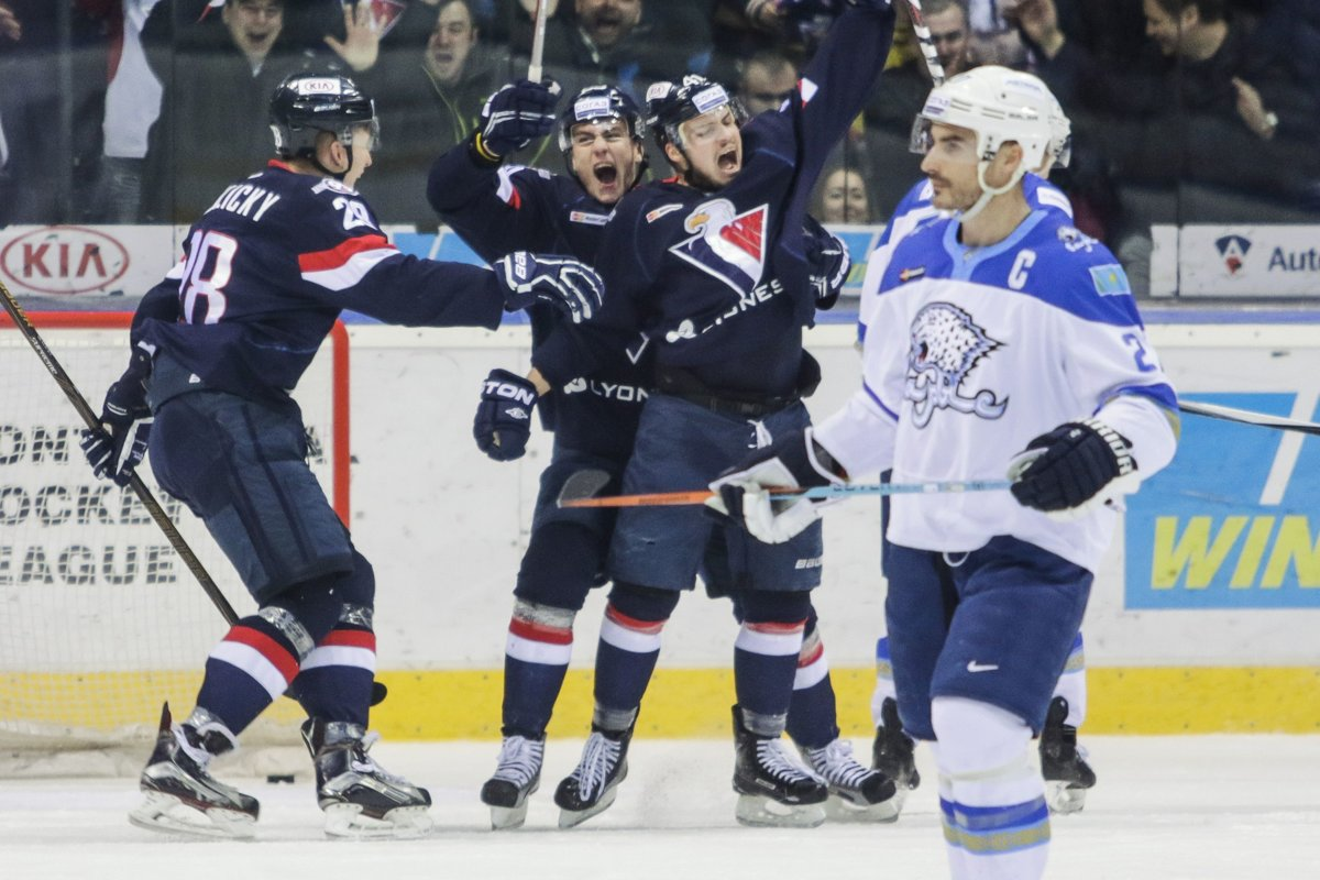 KHL  Slovan Bratislava v príprave zdolal Spartak Moskva - sport.sme.sk 8fede9b125c