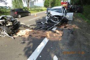 Vážna dopravna nehoda zablokovala hlavný ťah zo Žiliny.