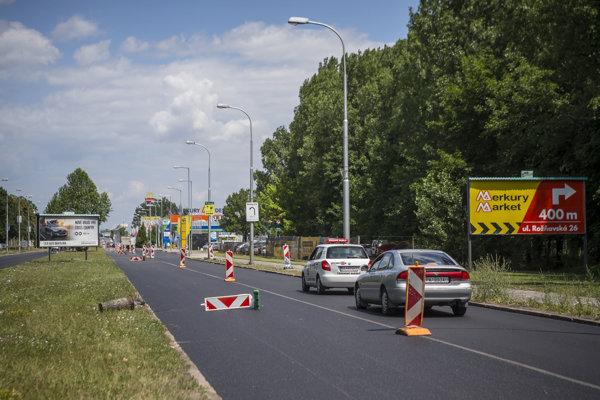 Rekonštrukcia cesty na Rožňavskej ulici.