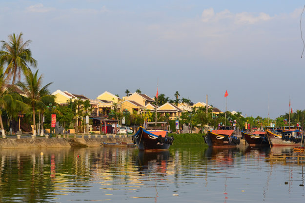 K Vietnamu neodmysliteľne patria vodné cesty.