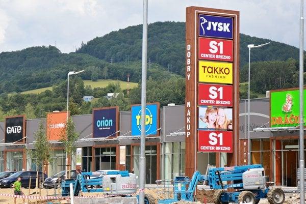 Nové nákupné centrum finišuje.