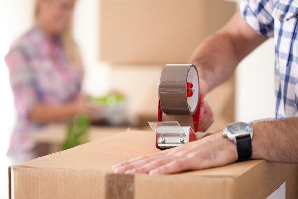 Škatule pri sťahovaní nesmiete preťažovať.