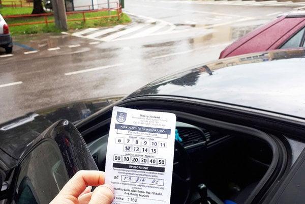 Parkovací lístok dostanete, platíte však až po troch hodinách.