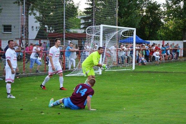 Z finálového zápasu Hornej Kráľovej s Hájskym.
