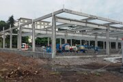 Výstavba obchodného centra.