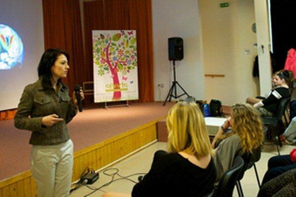 Prednášku si vypočuli žiaci Obchodnej akadémie v Prievidzi.