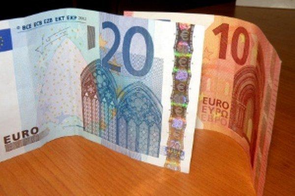 Prievidzskí poslanci za hodinu práce dostanú už nie desať, ale dvadsať eur.