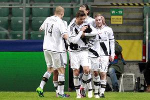 Legia Varšava má po trojgólovom víťazstve veľkú šancu postúpiť ďalej.