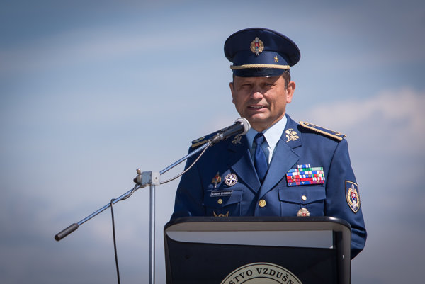 Prichádzajúci veliteľ Vzdušných síl Ľubomír Svoboda.