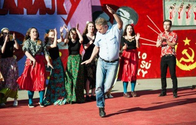 Slavomír Harabin. Bývalému riaditeľovi asi dnes do tanca už veľmi nie je.