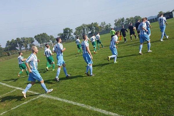 Futbalisti Dlhého Klčova na trávnik vybehnú, ale iba v okresnej súťaži.