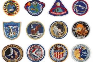 Nášivky členov misií Apollo. Cena: 1200 - 1800 dolárov.