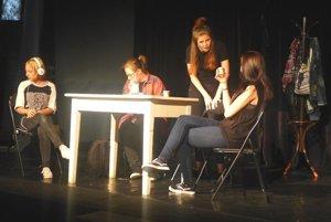 Detský divadelný súbor Kamarát oslávil polstoročie.