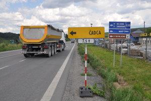 V najbližších hodinách prestane toto obmedzenie pre kamióny idúce na Kysuce cez Oravskú Lesnú platiť.