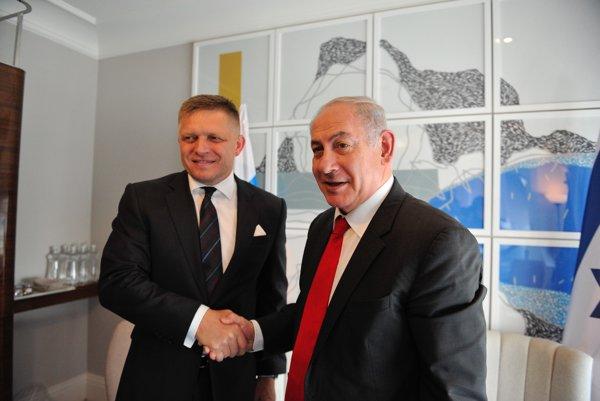 Predseda vlády Robert Fico (vľavo) s izraelským premiérom Benjaminom Netanjahuom (vpravo).