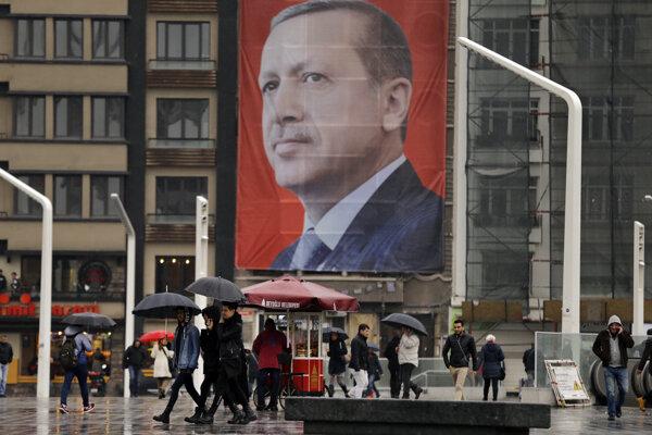 USA sťahovaním ambasády do Jeruzalema podkopávajú základy mieru, vyhlasuje Ankara