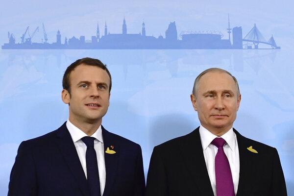 Macron s Putinom na vlaňajšom summite G20 v Nemecku.