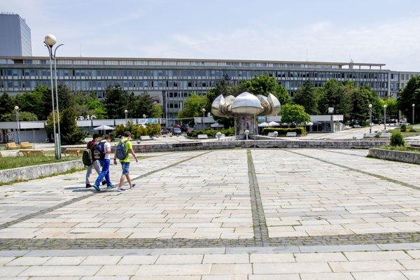 Námestie slobody v Bratislave dlhodobo chátra.