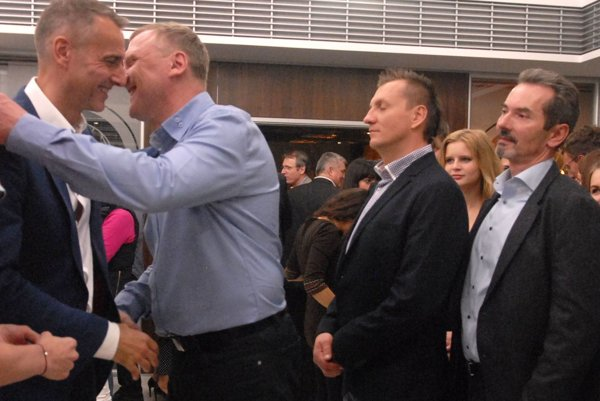 Raši, Hreha a Majza na volebnom štábe Smeru v roku 2014. Primátor aj predseda dozornej rady majú teraz preverovať, ako šéf vodární nakladal s ich majetkom.