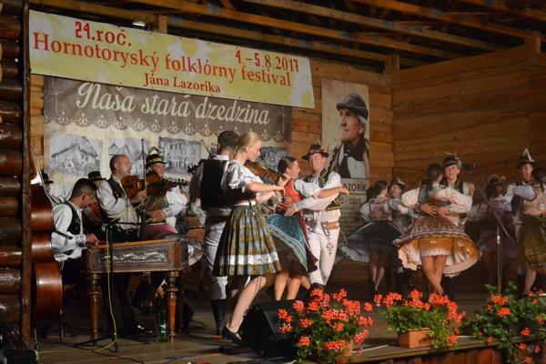 Hornotoryský folklórny festival v Krivanoch je už tradičným podujatím.