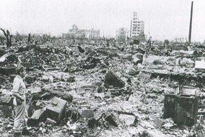 Spúšť v meste Hirošima po atómovom útoku.