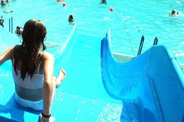 Kremničanom kúplisko, ktoré má aj 50 metrov dlhý plavecký bazén, chýba.