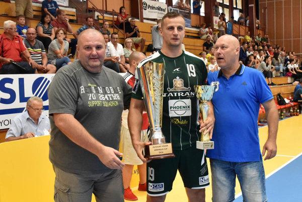 Víťazmi turnaja sa stali hádzanári Tatrana Prešov.