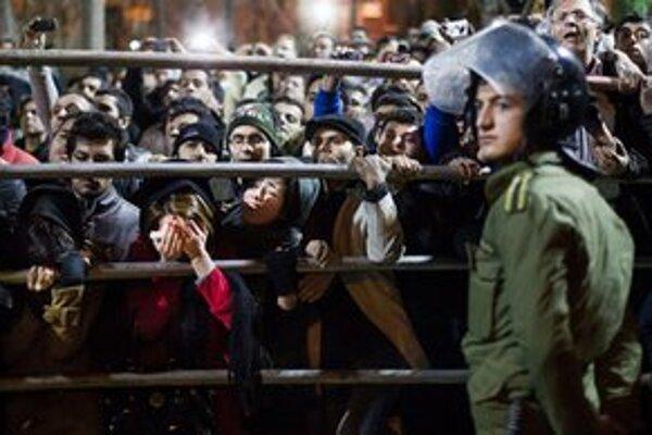 Snímka z popravy Alího Náderího.