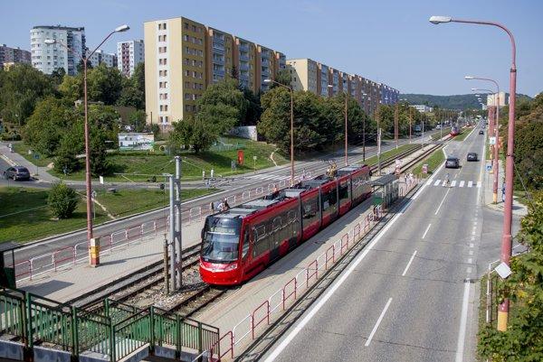 Električkovú trať v Kalrovej Vsi majú zrekonštruovať v roku 2018.