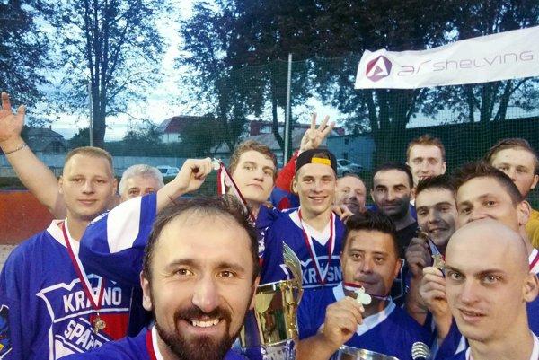 Hokejbalisti Krásna nad Kysucou obhájili titul, vo finále porazili Martin.