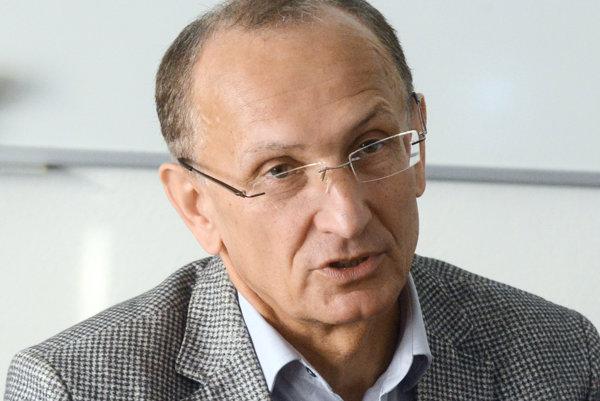 Ľubomír Okruhlica.