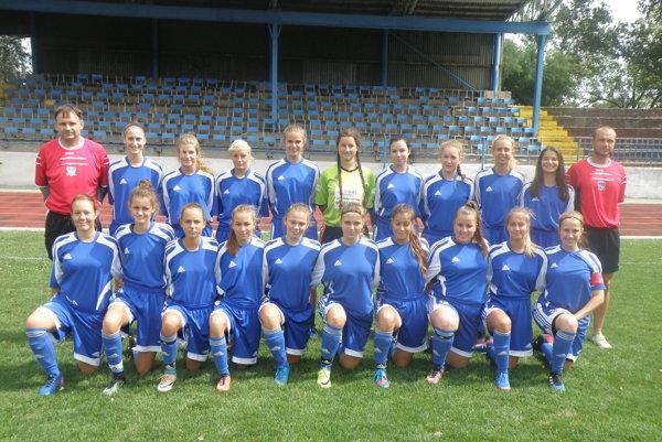 Táto nadšená družina mladých futbalistiek by mala prinavrátiť FC Union na popredné pozície vslovenskom ženskom futbale.