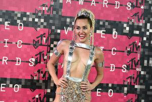 Miley Cyrus na odovzdávaní Video Music Awards 2015
