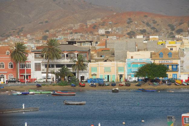 Mestečko Mindelo na ostrove Sao Vincente je kultúrnym centrom Kapverd.