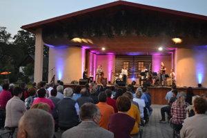 Počas piatkového koncertu v Pečovskej Novej Vsi.