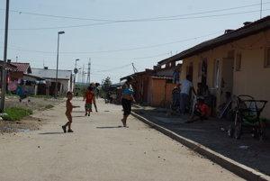 Osada Budulovská. Životné podmienky sa po presťahovaní rapídne zhoršia.