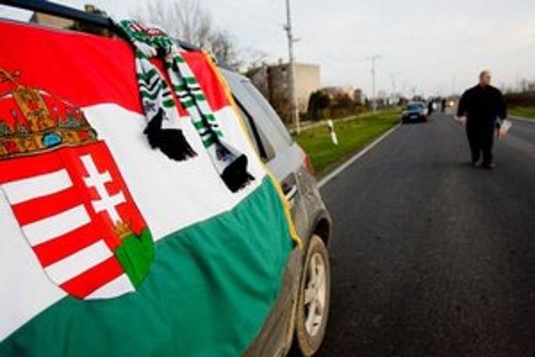 Prívrženci Jobbiku počas blokády slovenských hraníc.