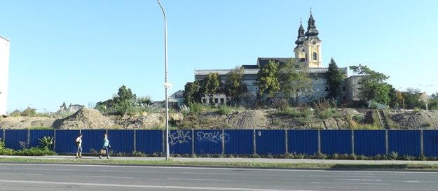V auguste boli práce na Tabáni prerušené, v septembri ich obnovia.