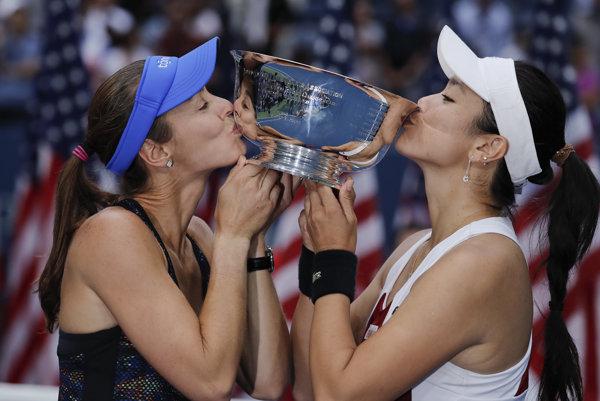 Taiwanská tenistka Čchan Jüng-ťan a Švajčiarka Martina Hingisová zvíťazili vo štvorhre žien na US Open.