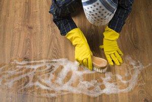 Výpary z čistiacich prostriedkov môžu poškodiť pľúca.