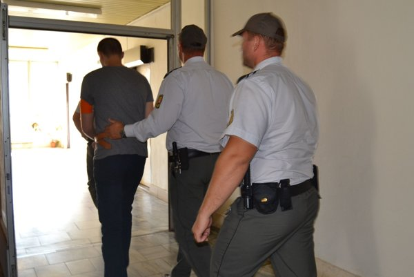 Obžalovaný vo štvrtok predstúpil pred prešovský súd.