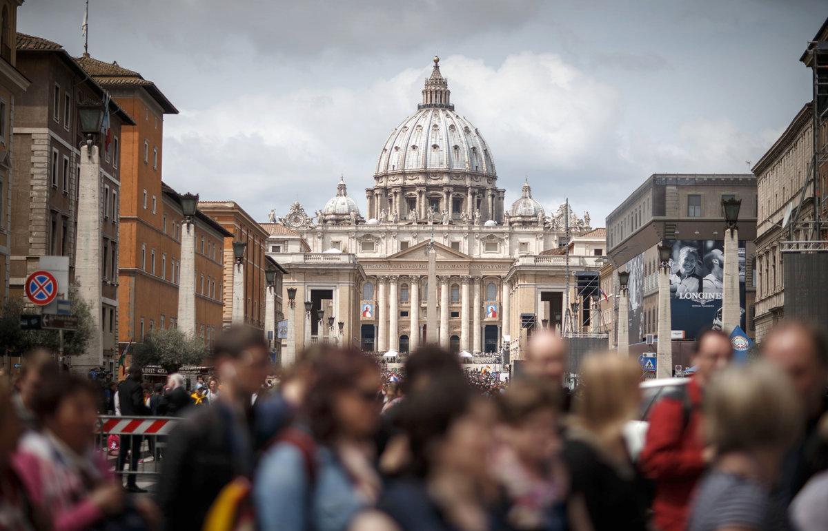 Polovica kardinálov a biskupov v Holandsku tajila zneužívanie detí kňazmi - svet.sme.sk