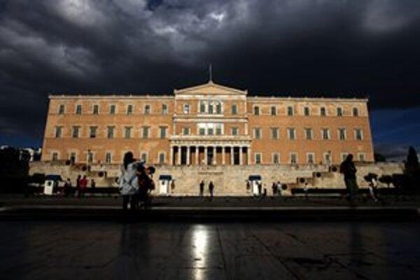 Mračná nad gréckym parlamentom.